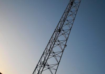 Mobilfunk - Entlang der beiden Teerstraßen im Südsinai werden immer mehr Mobilfunktürme errichtet. Je nach Beschaffenheit der Landschaft decken diese oft weite Gebiete ab, so dass man heute selbst in abgelegenen Regionen ausreichende Signalstärke hat, um telefonieren zu können. So gestaltet sich die Nachschubversorgung auf der Frühlingsweide doch wesentlich einfacher als in den alten Zeiten.